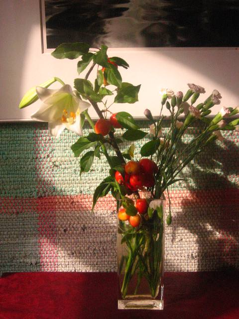 Blomsterdekorationer præger stemningen